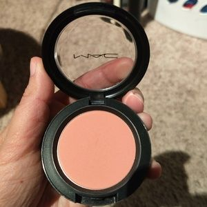 Mac Pret-a-papier collection blush in Instant Chic